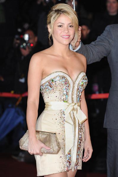 Shakira+с Бална Рокля