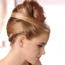 официална прическа с прибрана коса