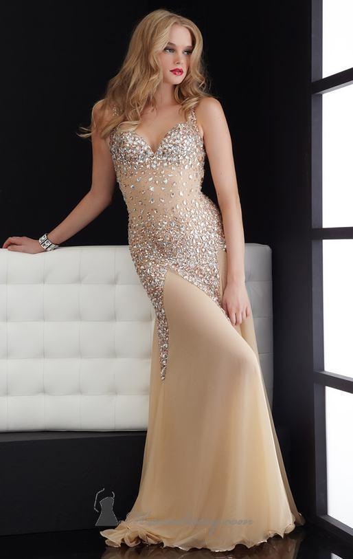 елегантна дълга рокля телесен цвят