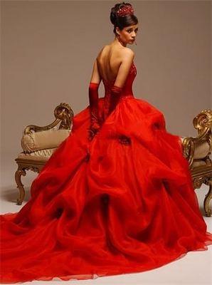 червена дълга бална рокля принцеса