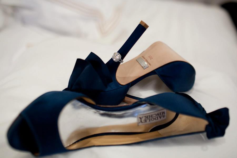 черни бални обувки