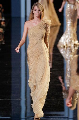 елегантна официална рокля шампанско