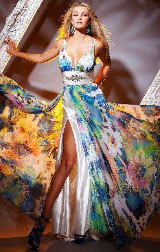 многоцветна рокля