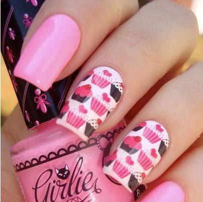 маникюри в розово черно и бяло