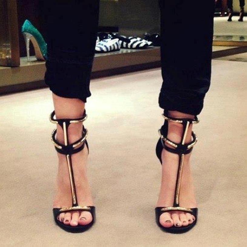 секси сандали с висок ток