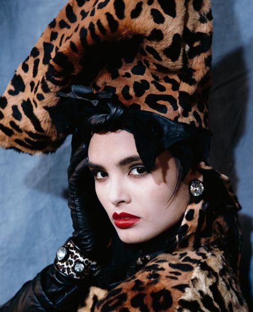 модерна дамска шапка леопард
