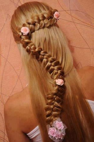 интересна прическа за дълга коса