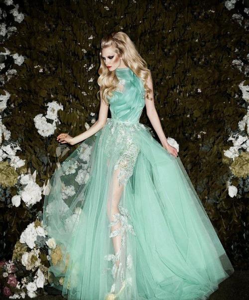 екзотична зелена бална рокля