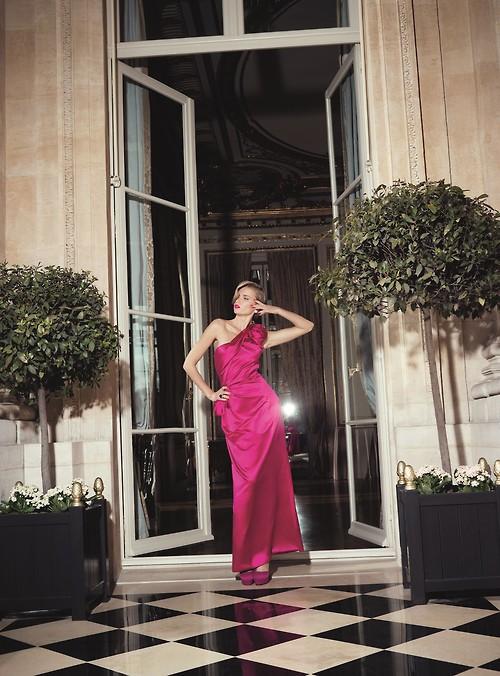 цикламена абитуриентска рокля едно рамо