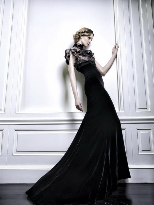 черна дълга абитуриентска рокля