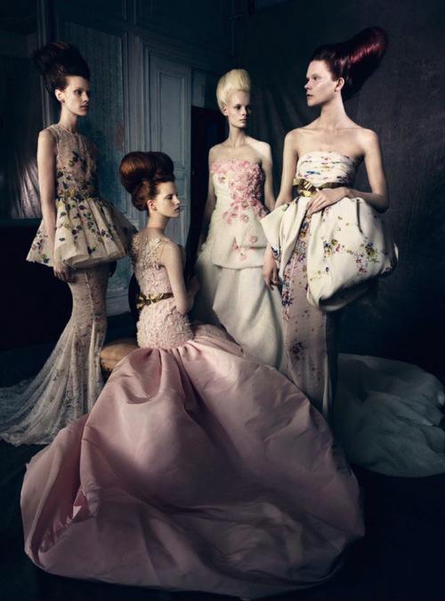 романтични бални рокли