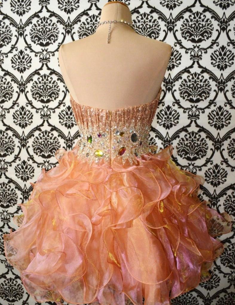 къса абитуриентска рокличка пайети и диаманти органза