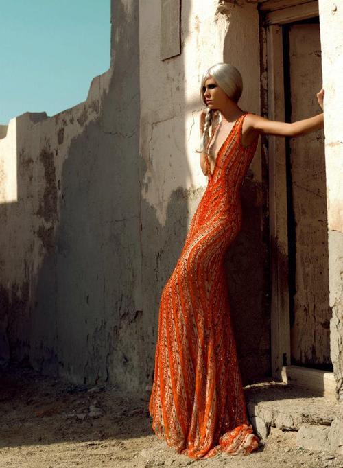 дълга феерична бална рокля