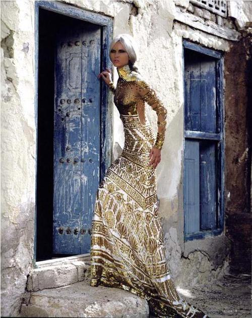 екзотична дълга рокля
