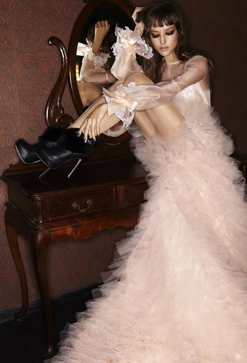 феерична бална рокля
