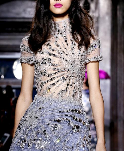 дълга бална рокля с камъни