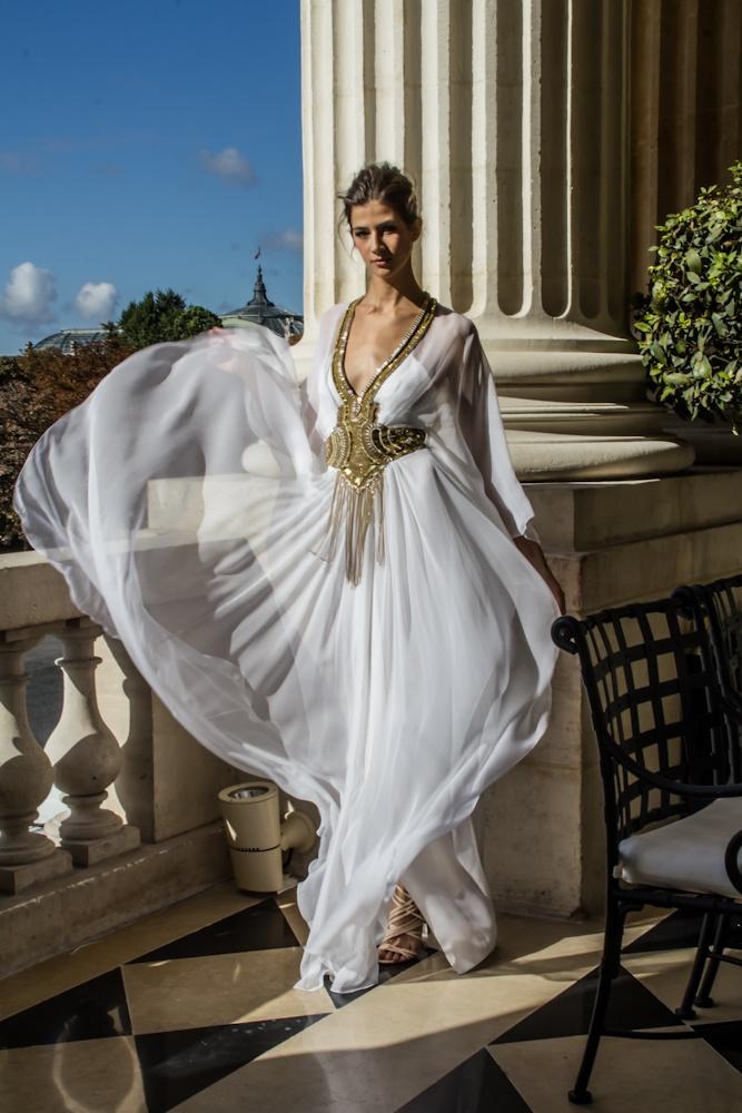 официална бяла рокля
