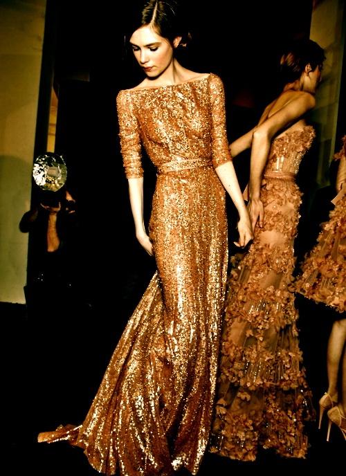 златна рокля