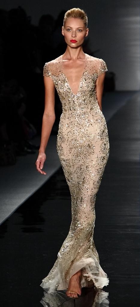 златиста бална рокля