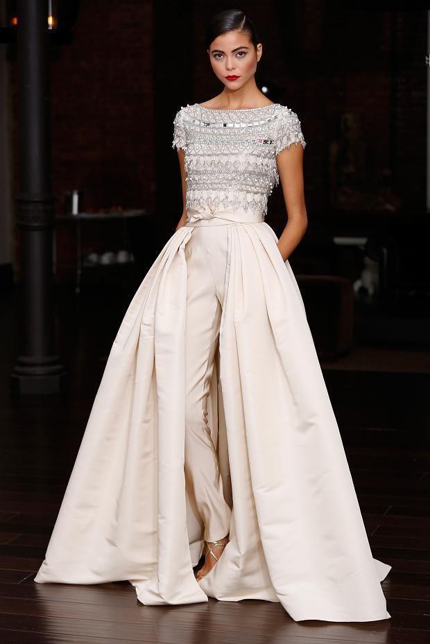 бална бяла рокля