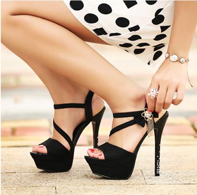черни официални обувки