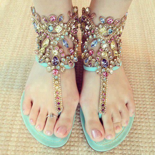 летни сандали с камъни