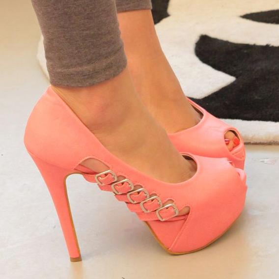 розови обувки