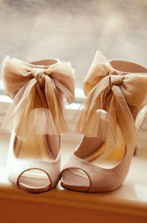 обувки с панделки за бал
