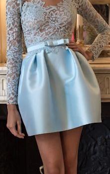 къса бална рокличка с дантела