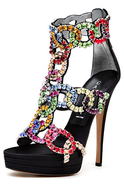 ектравагантни обувки