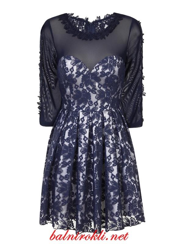официална дантелена рокля с прозрачен панел