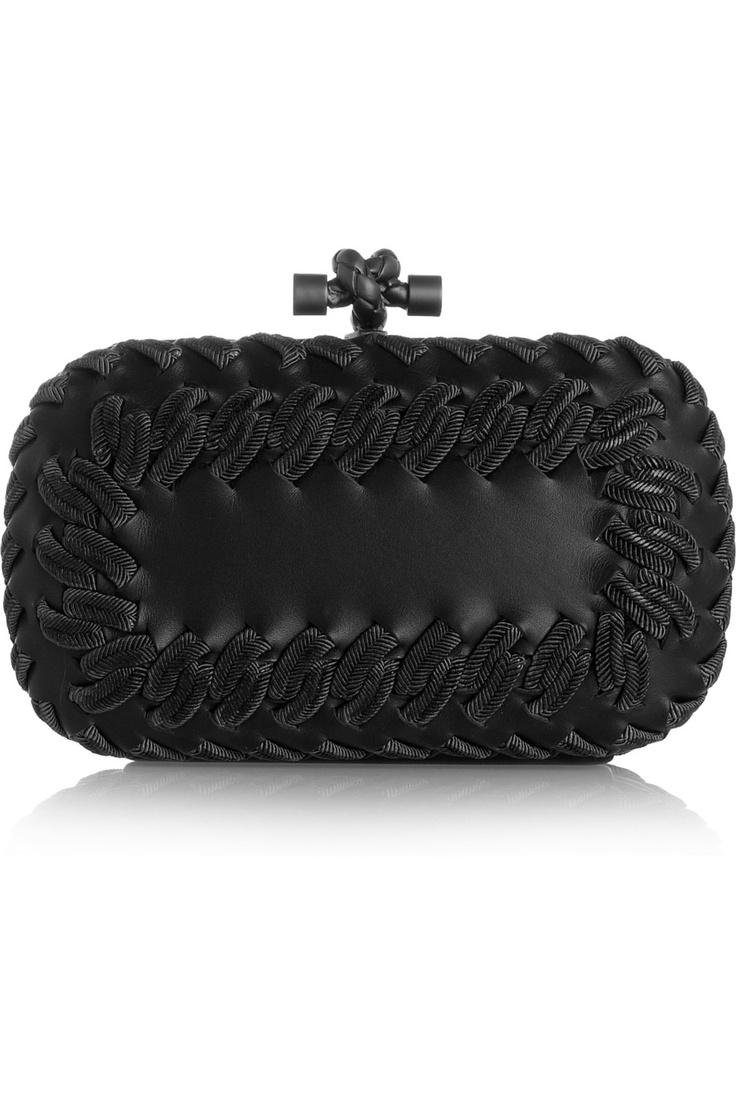черна малка официална чантичка