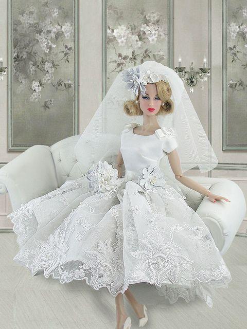 бяла булчинска рокля