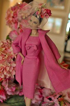 розова коктейлна рокля