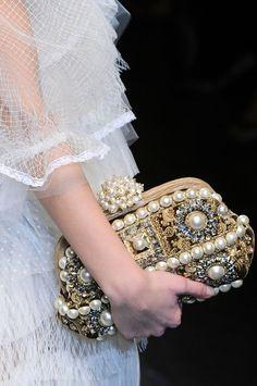 елегантна официална чанта с инкрустации