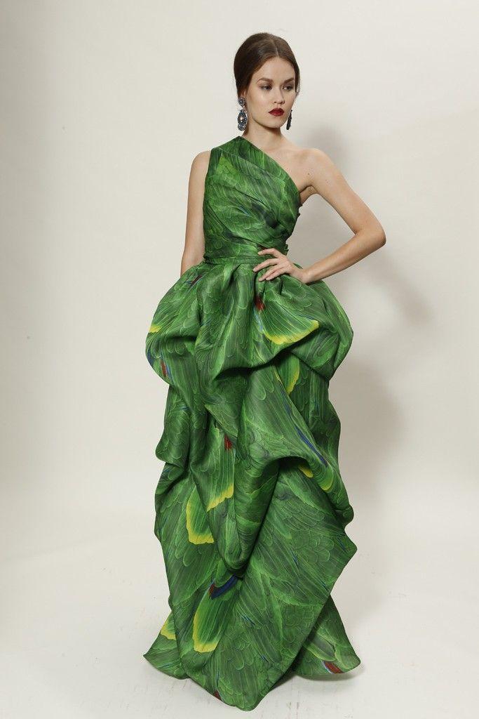 зелена бална рокля едно рамо