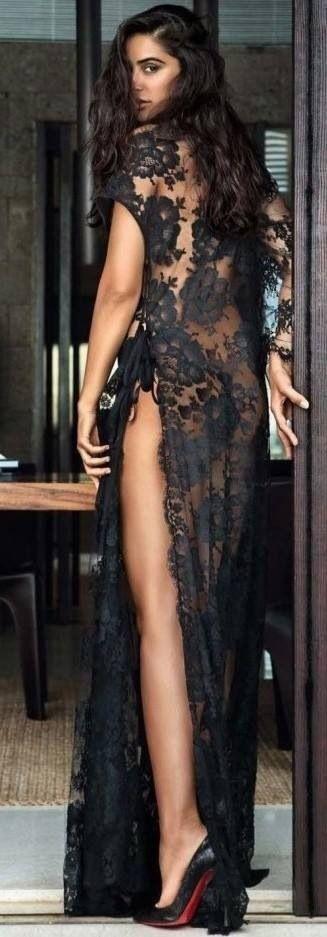 черна дантелена рокля с цепка