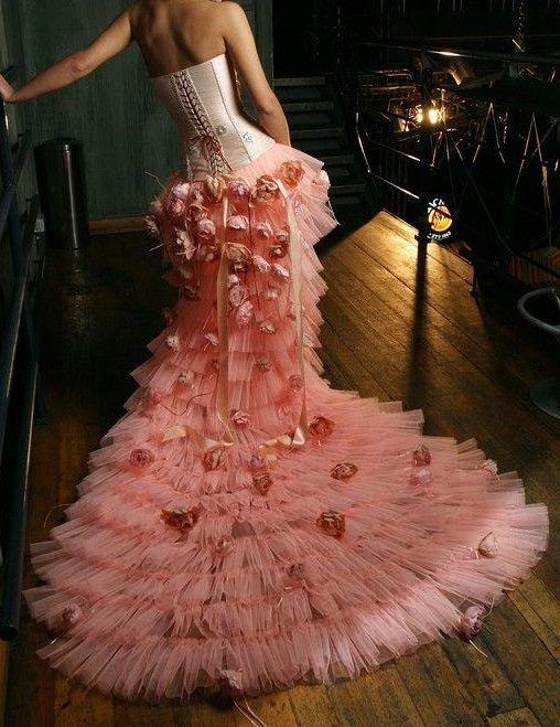 дълга рокля тюл и рози