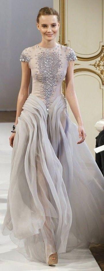 нежна бална рокля