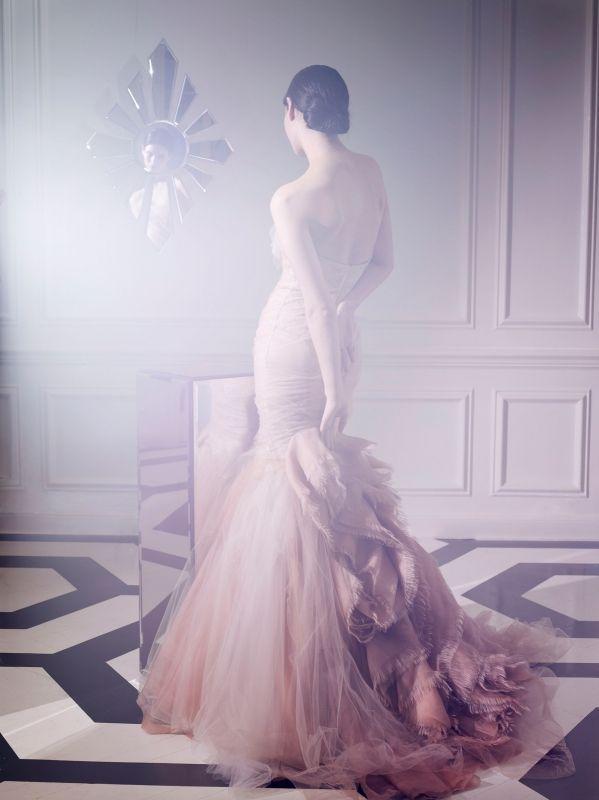 елегантна дълга бална рокля