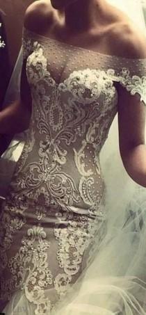 ефектна рокля дантела