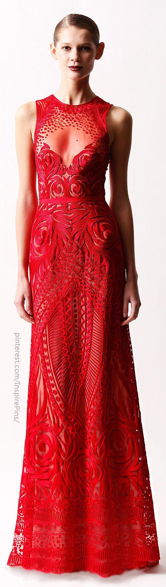 червена бална рокля на валентино
