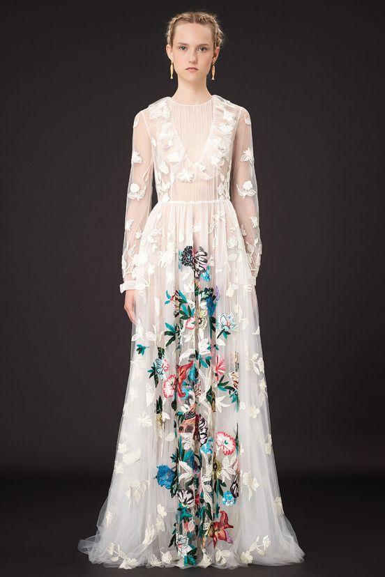 дълга бална рокля бяла дантела