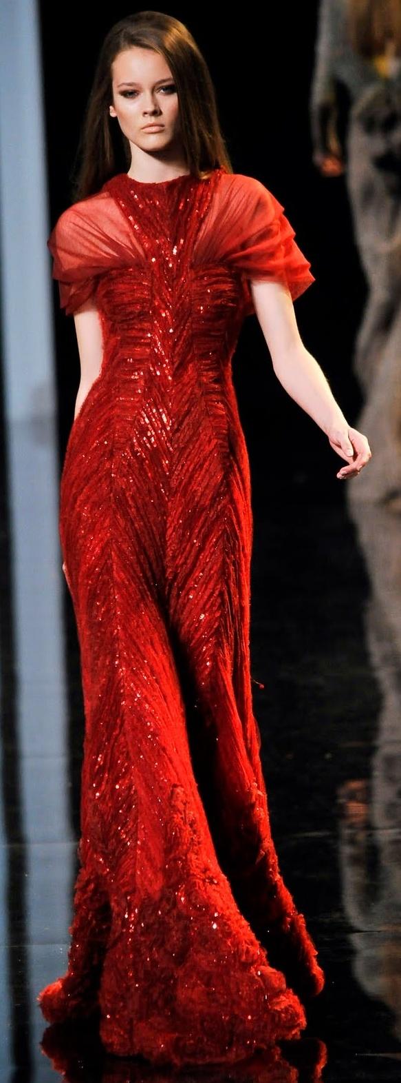 червена дълга бална рокля