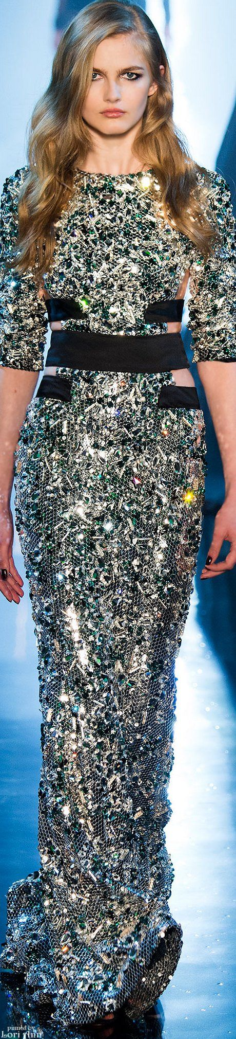 абитуриентски-дизайнерски-рокли-2015-68