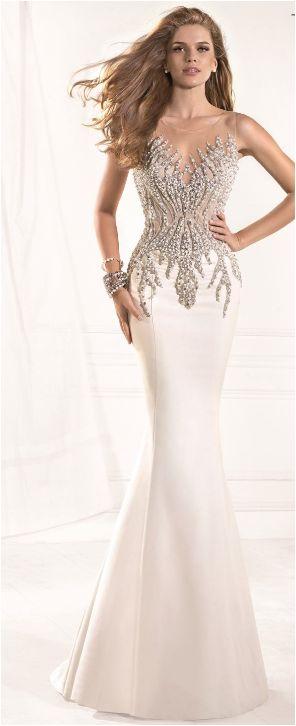 абитуриентски-дизайнерски-рокли-2015-76