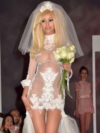 най-грозните-сватбени-булчински-рокли11