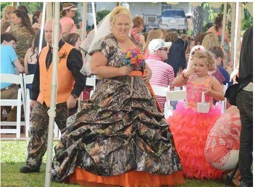 най-грозните-сватбени-булчински-рокли16