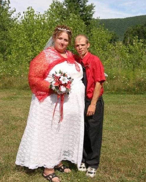 най-грозните-сватбени-булчински-рокли18