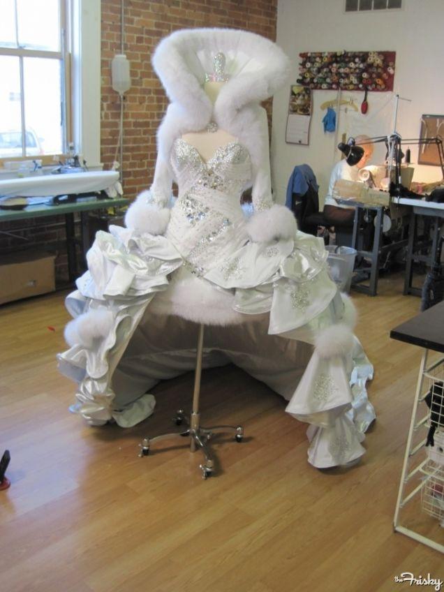 най-грозните-сватбени-булчински-рокли3